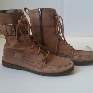 Sperry tan leather lace up booties 8.5